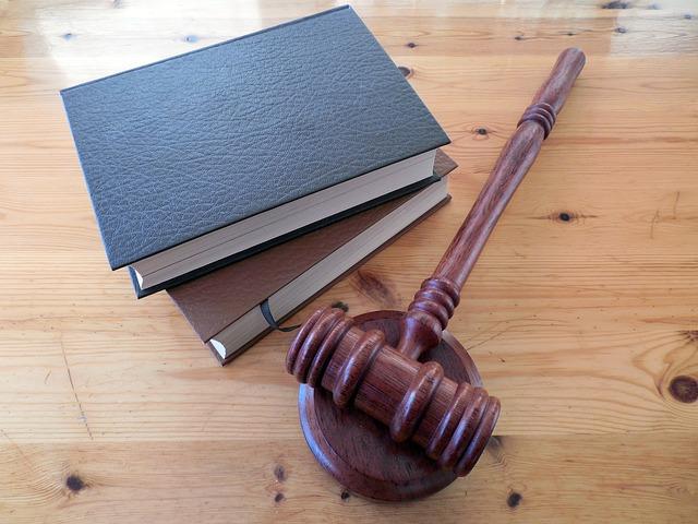 perbedaan hukum acara perdata dan pidana