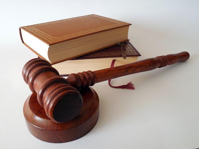 pengertian dan pendapat para ahli tentang makna dan tujuan politik hukum nasional Indonesia